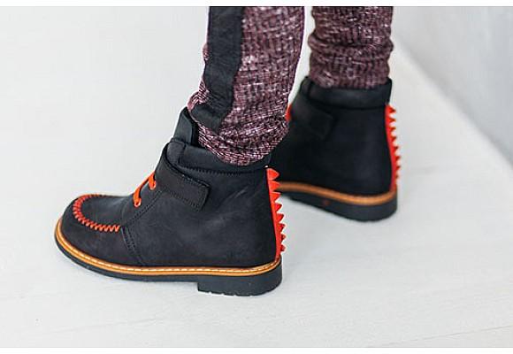 Современные детские ботинки: совсем как взрослые, только красивее.
