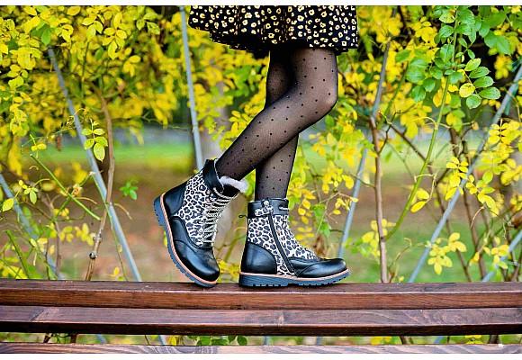 Чем отличается детская обувь:  ортопедическая от обычной.