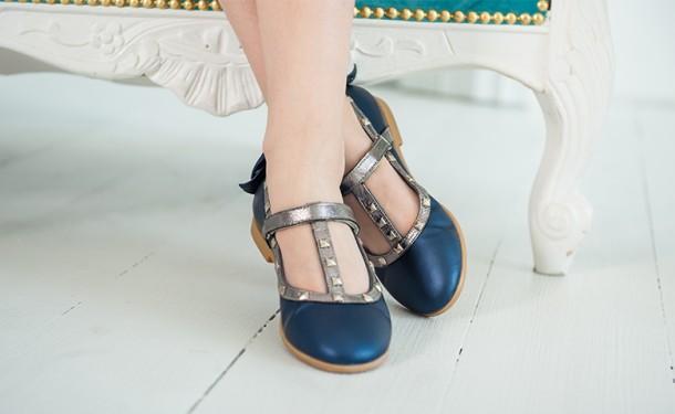 Девочка обута в детские туфли Woopy Orthopedic синие (2263) Фото 2