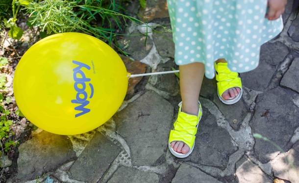 Девочка обута в детские босоножки Woopy Orthopedic желтые (3010) Фото 1