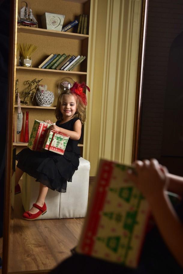 Девочка обута в детские туфли Bebbini красные (3026) Фото 2