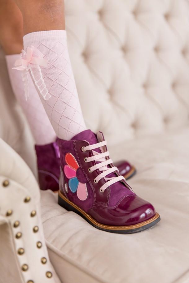 Девочка обута в детские высокие демисезонные ботинки Woopy Orthopedic фиолетовый (3139) Фото 1