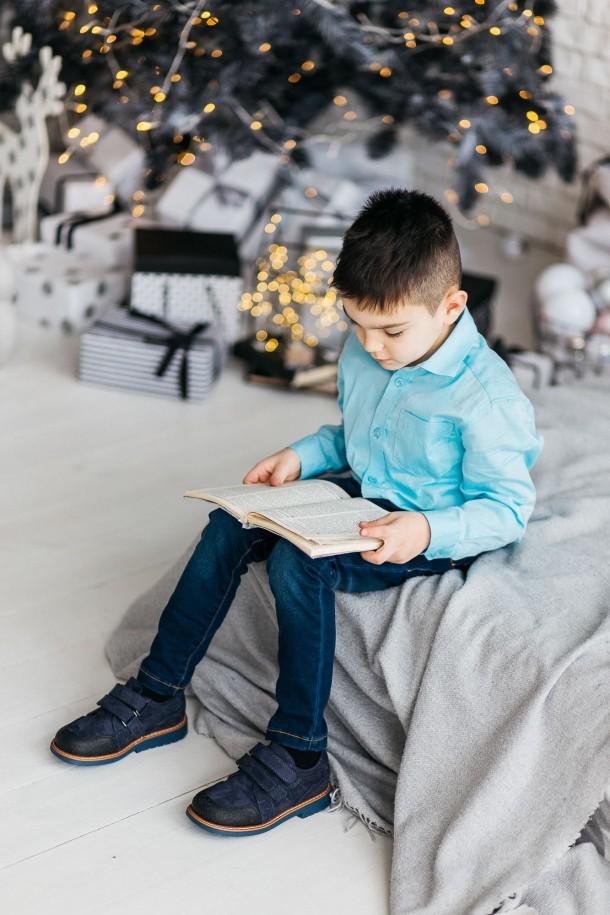 Мальчик обут в детские туфли Woopy Orthopedic темно-синие (3291) Фото 1