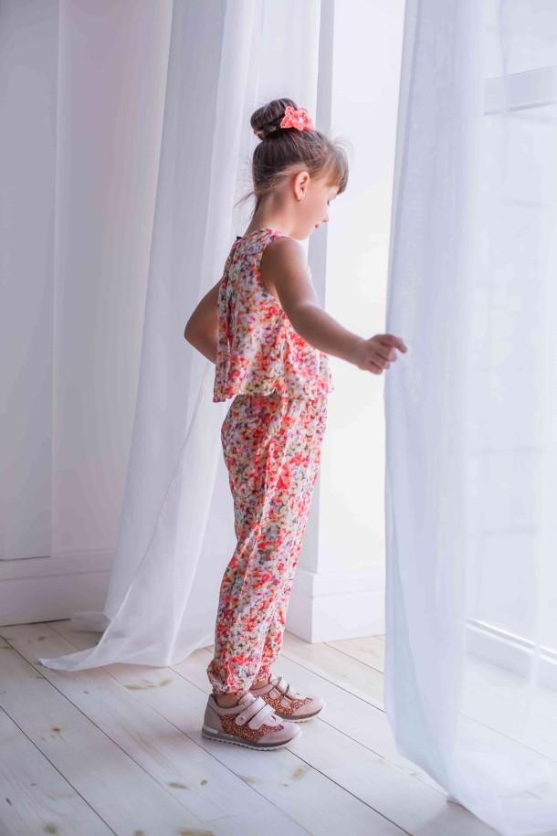 Девочка обута в детские кроссовки Woopy Orthopedic пудровые (3617) Фото 1