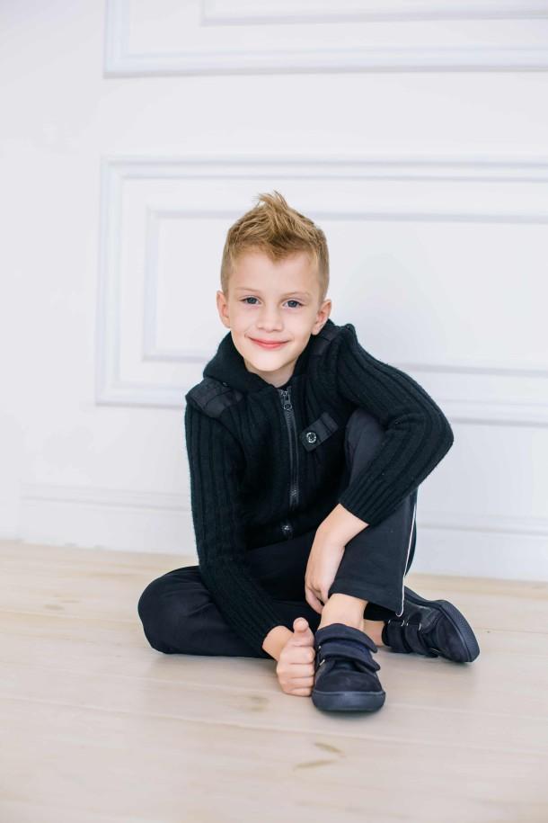 Мальчик обут в детские кеды Woopy Orthopedic темно-синие (3725) Фото 1