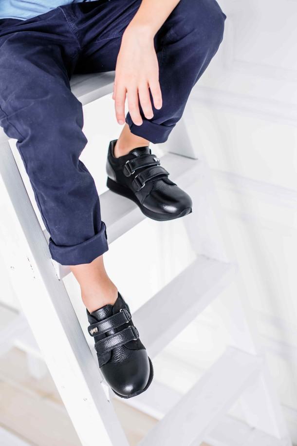 Девочка обута в детские кроссовки Woopy Orthopedic черные (3727) Фото 2