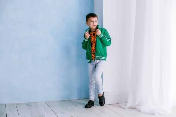 Мальчик обут в детские кеды Woopy Orthopedic черные (3739) Фото 1