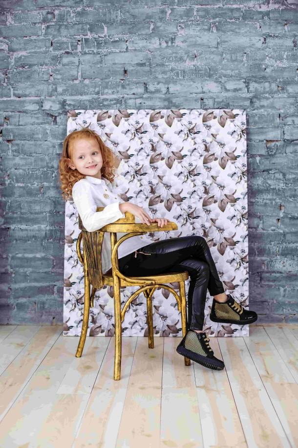 Девочка обута в детские демисезонные ботинки Woopy Orthopedic черные (3796) Фото 1