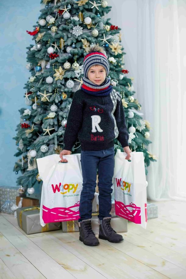 Мальчик обут в детские зимние ботинки на меху Woopy Orthopedic серые (3915) Фото 1