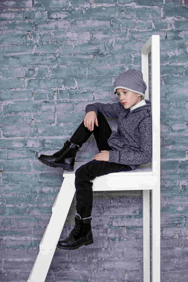Девочка обута в детские зимние ботинки на меху Woopy Orthopedic черные (3929) Фото 1