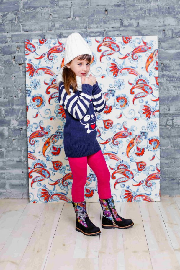 Девочка обута в детские зимние сапожки на меху Woopy Orthopedic черные (3940) Фото 1
