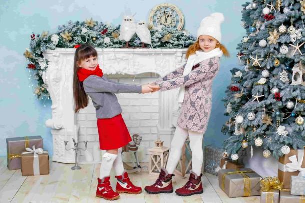 Девочка обута в детские зимние ботинки на меху Woopy Orthopedic красные (3943) Фото 1