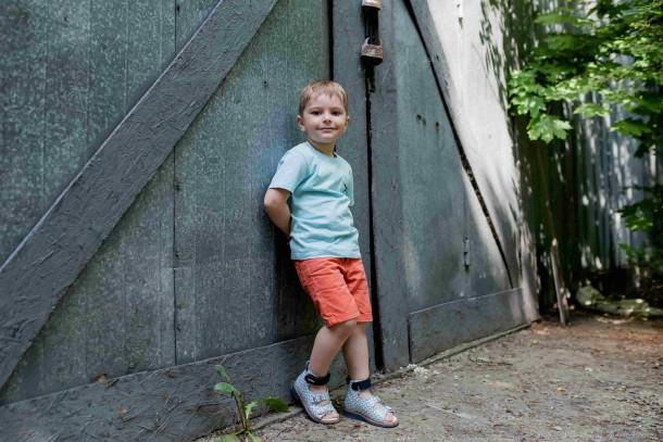 Мальчик обут в детские ортопедические босоножки (с высоким берцем) Woopy Orthopedic синий (4054) Фото 1