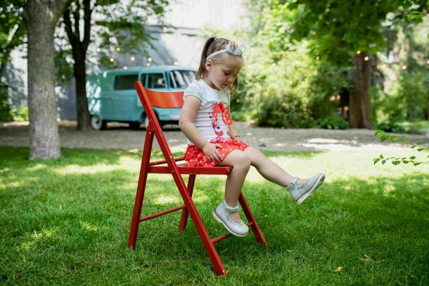 Девочка обута в детские туфли Woopy Orthopedic серебряные (4226) Фото 1