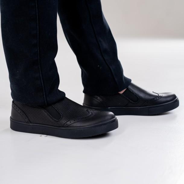 Мальчик обут в детские туфли Woopy Orthopedic черные (4281) Фото 2