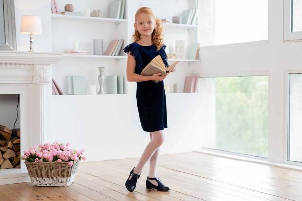 Девочка обута в детские туфли Woopy Fashion синие (4297) Фото 1
