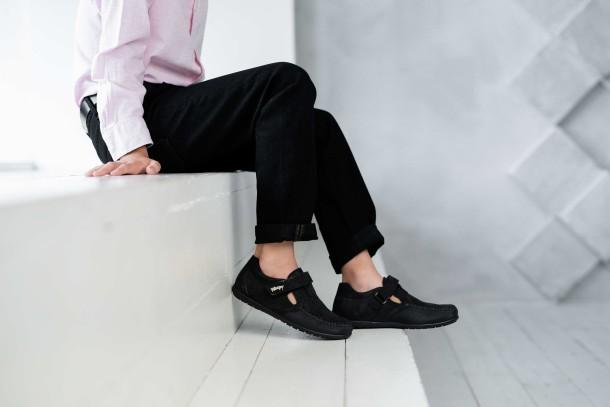 Мальчик обут в детские туфли Woopy Fashion черные (4312) Фото 2