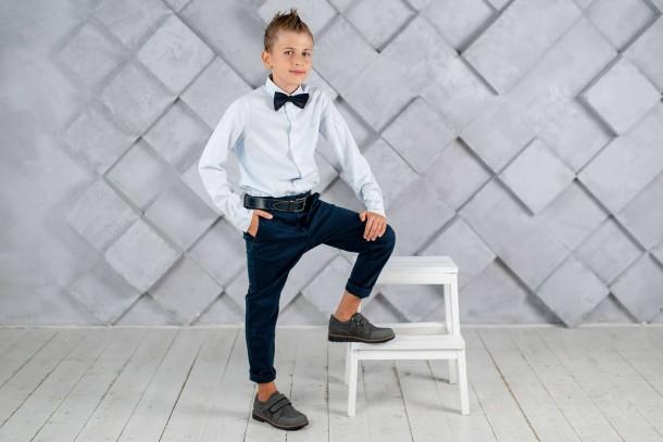 Мальчик обут в детские туфли Woopy Fashion серые (4330) Фото 1