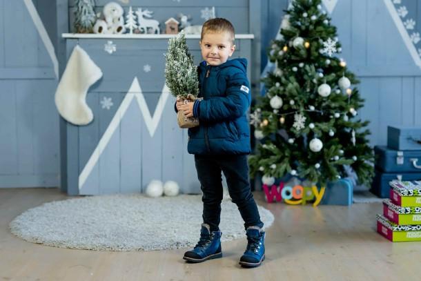Мальчик обут в детские зимние ботинки на меху Woopy Fashion синие (4415) Фото 1