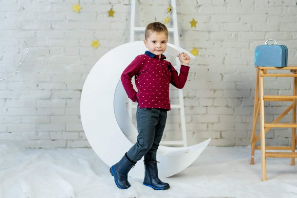 Мальчик обут в детские зимние сапоги на меху Woopy Fashion синие (4477) Фото 1