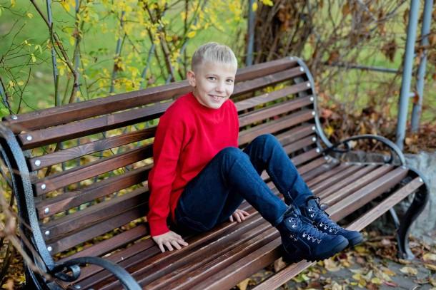 Мальчик обут в детские зимние ботинки на меху Woopy Fashion синие (4486) Фото 1