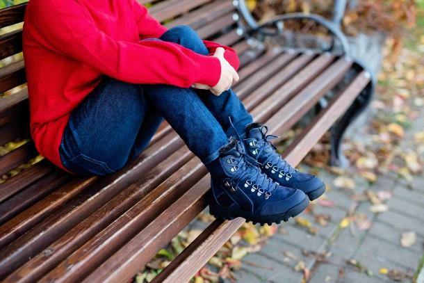 Мальчик обут в детские зимние ботинки на меху Woopy Fashion синие (4486) Фото 2