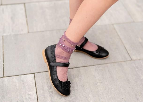 Девочка обута в детские туфли Woopy Fashion черные (5014) Фото 2