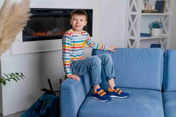 Мальчик обут в детские кроссовки Woopy Fashion синие (5050) Фото 1