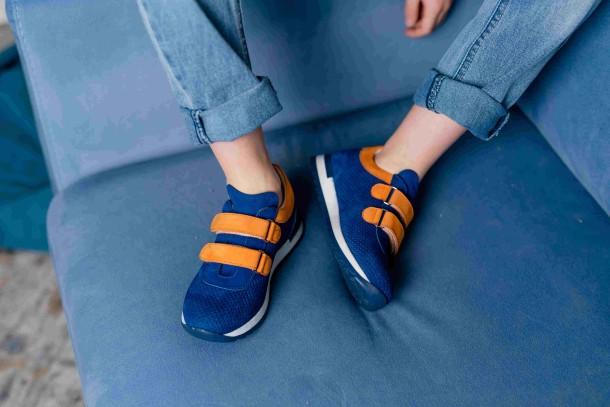 Мальчик обут в детские кроссовки Woopy Fashion синие (5050) Фото 2