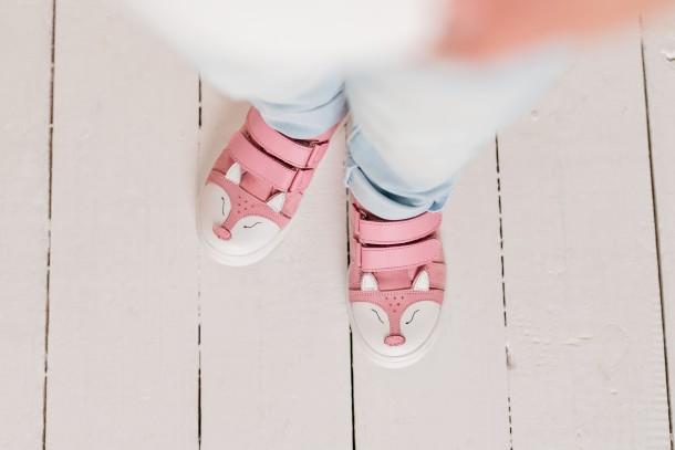 Девочка обута в детские кеды Woopy Fashion розовые (5057) Фото 2