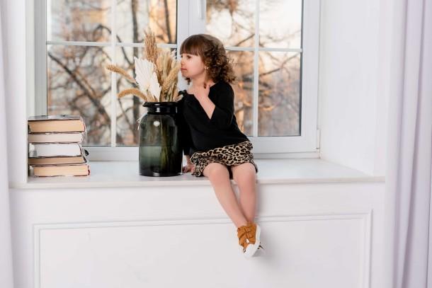 Девочка обута в детские кеды Woopy Fashion рыжие (5064) Фото 1