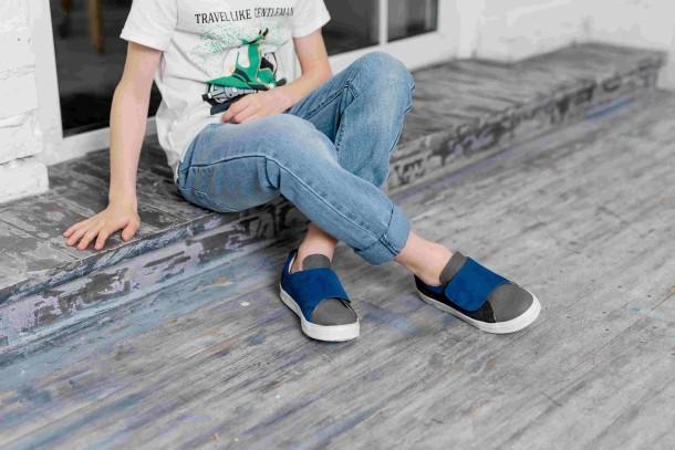 Мальчик обут в детские кеды Woopy Fashion серые (5075) Фото 2