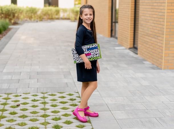Девочка обута в детские туфли Woopy Orthopedic розовые (5127) Фото 2