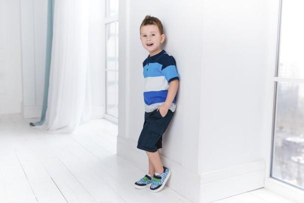 Мальчик обут в детские кеды Woopy Fashion разноцветные (5131) Фото 2