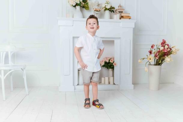 Мальчик обут в детские босоножки Woopy Orthopedic разноцветные (5175) Фото 1