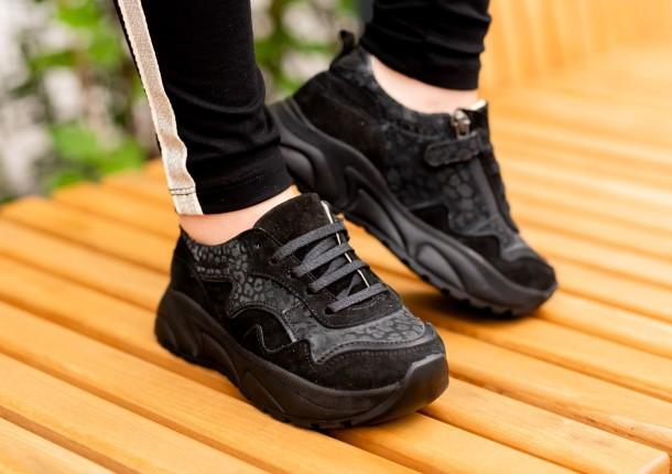 Девочка обута в детские кроссовки Woopy Fashion черные (5189) Фото 2