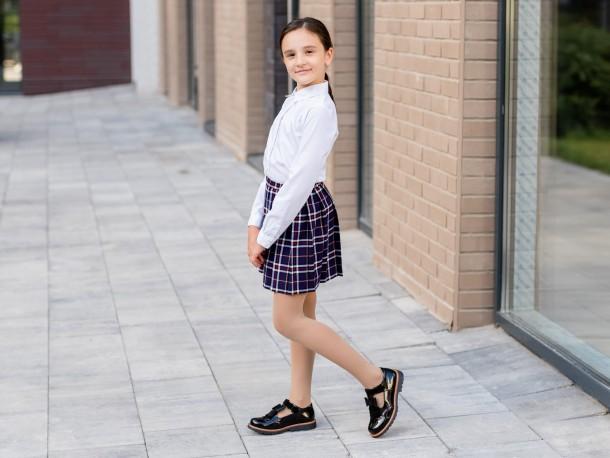 Девочка обута в детские туфли Woopy Orthopedic черные (7026) Фото 2
