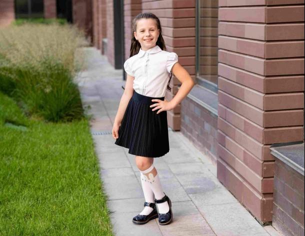 Девочка обута в детские туфли Woopy Orthopedic темно-синие (7028) Фото 2