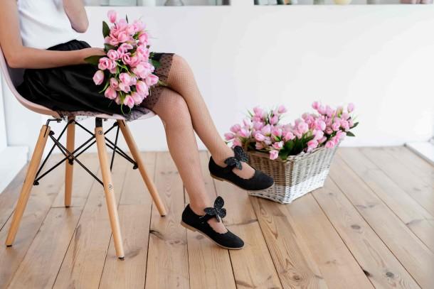 Девочка обута в детские туфли Woopy Orthopedic черные (7030) Фото 2