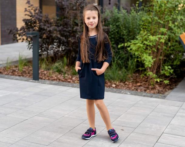 Девочка обута в детские кроссовки Woopy Fashion синие, малиновые (7073) Фото 2