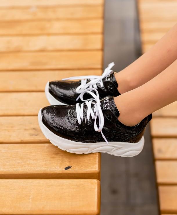 Девочка обута в детские кроссовки Woopy Fashion черные (7083) Фото 2