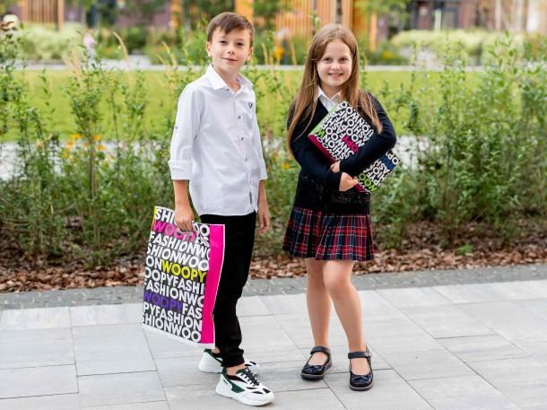Мальчик обут в детские кроссовки Woopy Fashion разноцветные (7084) Фото 2