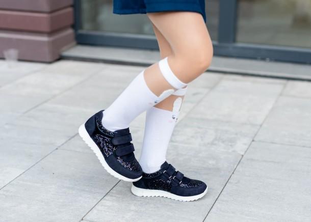 Девочка обута в детские кроссовки Woopy Fashion темно-синие (7085) Фото 2