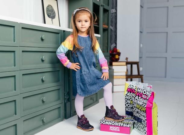 Девочка обута в детские демисезонные ботинки Woopy Orthopedic фиолетовые (7106) Фото 2