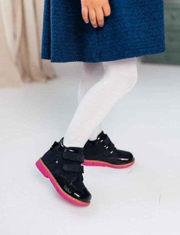 Девочка обута в детские демисезонные ботинки Woopy Orthopedic синие (7132) Фото 2