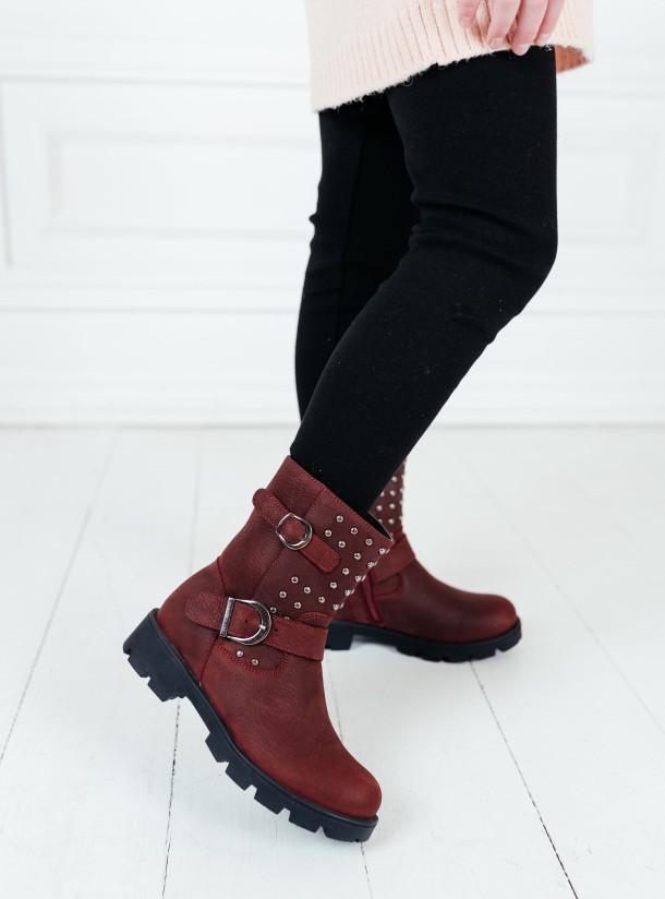 Девочка обута в детские демисезонные ботинки Woopy Orthopedic бордовые (7166) Фото 1