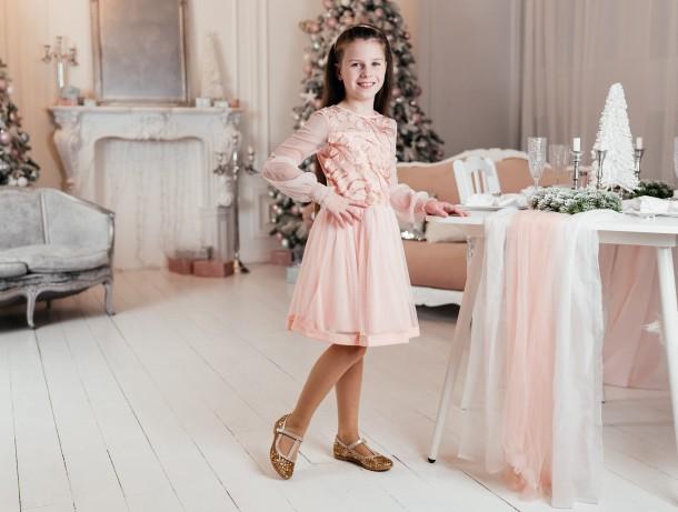 Девочка обута в детские туфли Woopy Fashion золотые (7196) Фото 2