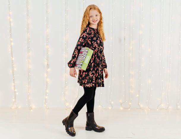 Девочка обута в детские зимние сапоги на меху Woopy Orthopedic черные (7198) Фото 2