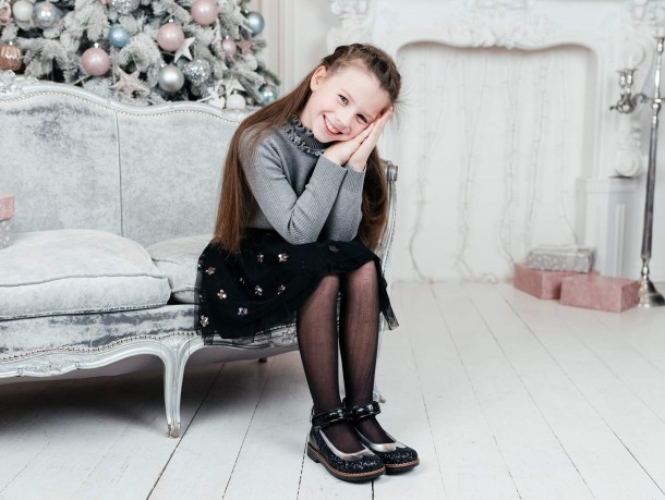 Девочка обута в детские туфли Woopy Orthopedic черные (7228) Фото 2
