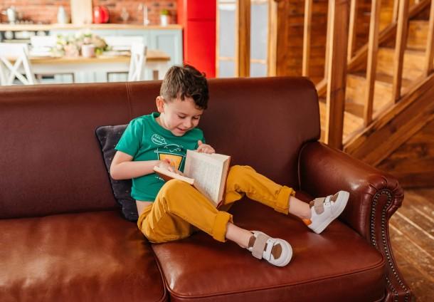 Мальчик обут в детские кеды Woopy Fashion белые (8043) Фото 2
